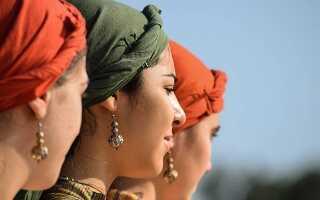 Як зав'язати красиво хустку на голову влітку і восени