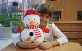 Сніговик своїми руками на Новий рік з підручних матеріалів