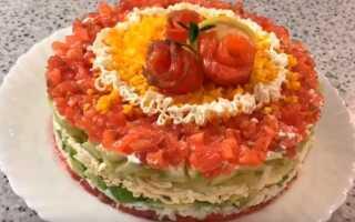 Новорічний салат «Мануелла» з червоною рибою сьомгою