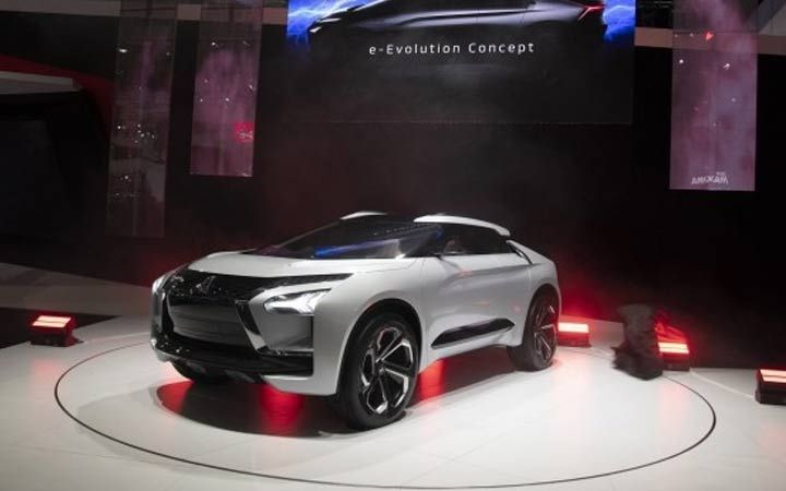 Кросовер Mitsubishi e-Evolution 2020